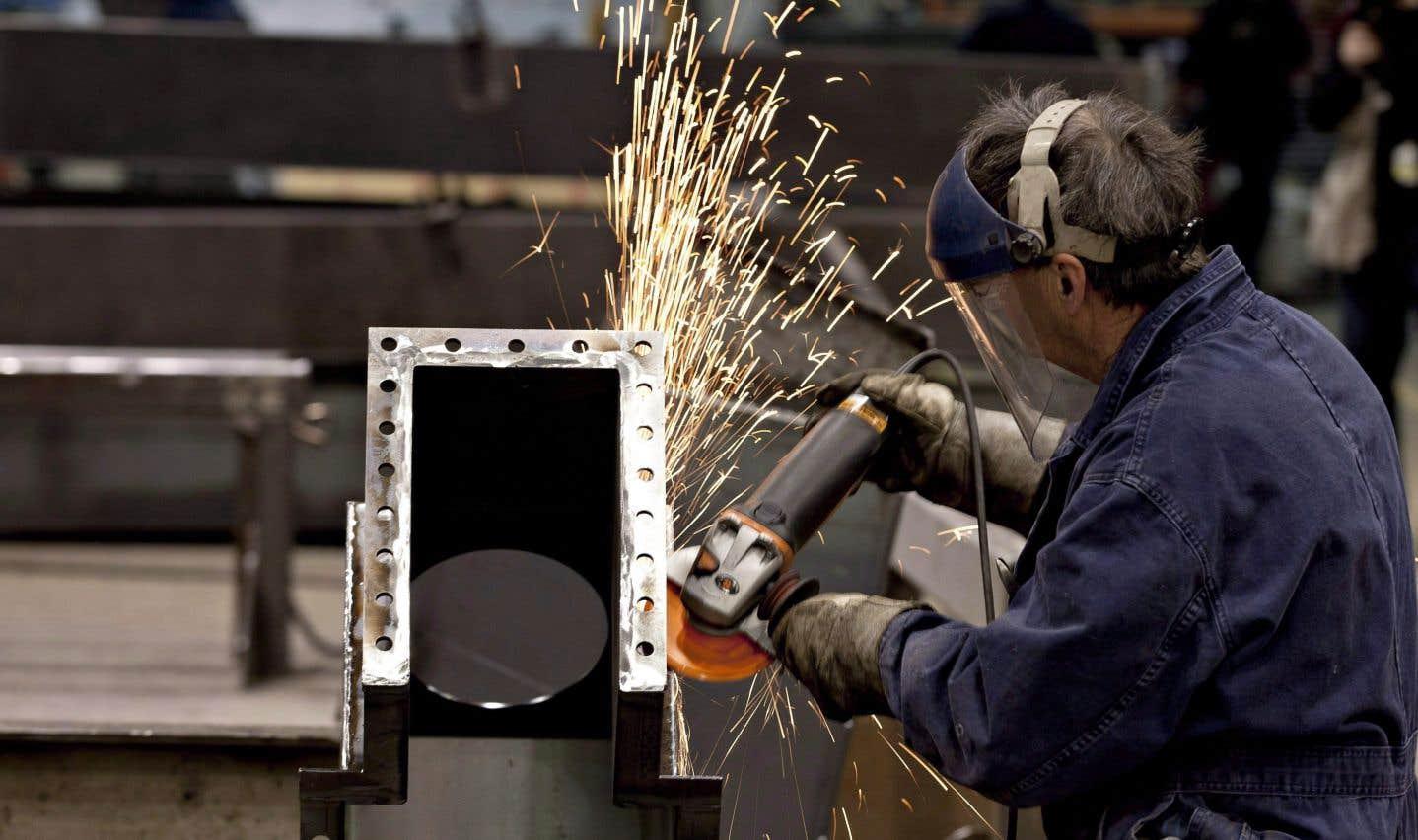 La création d'emplois au Québec a progressé pour un troisième mois consécutif avec l'ajout de 27 000 postes en décembre.