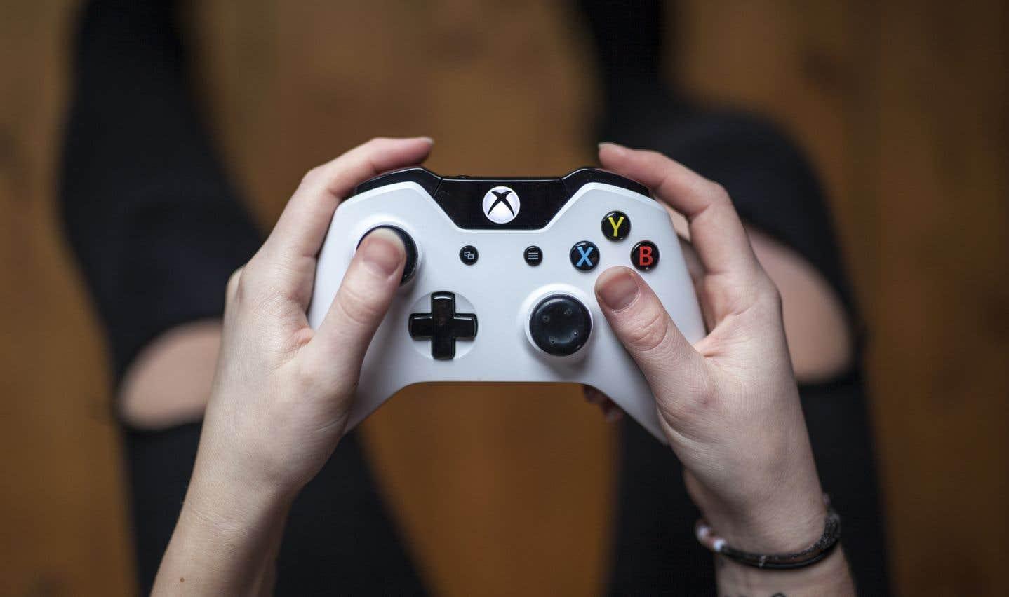 Parmi les autres symptômes répertoriés figurent «la poursuite et l'augmentation de l'activité de jeu [vidéo]malgré l'apparition de conséquences négatives».