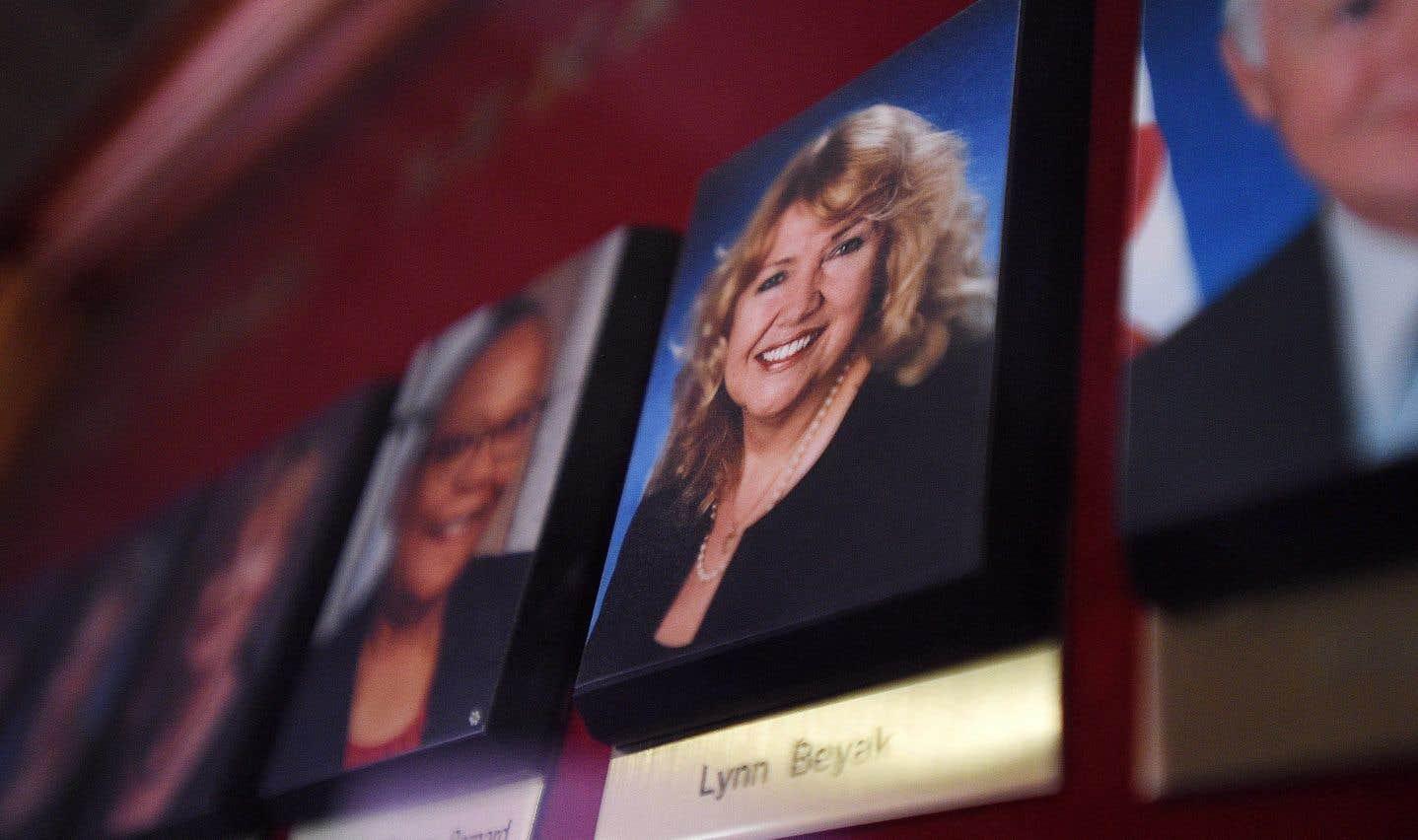La sénatrice ontarienneLynn Beyak accuse le chef conservateur élu en mai dernier d'être tombé dans un piège tendu par les médias.