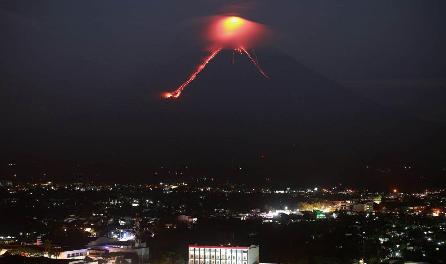 Le Mayon, l'un des volcans les plus actifs des Philippines