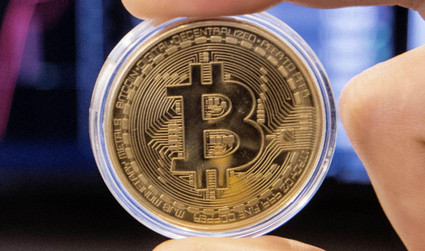 Le bitcoin est en chute de quelque 50% depuis la fin de 2017. Jeudi vers 17 h, la cryptomonnaie s'échangeait à 11 378 $US.