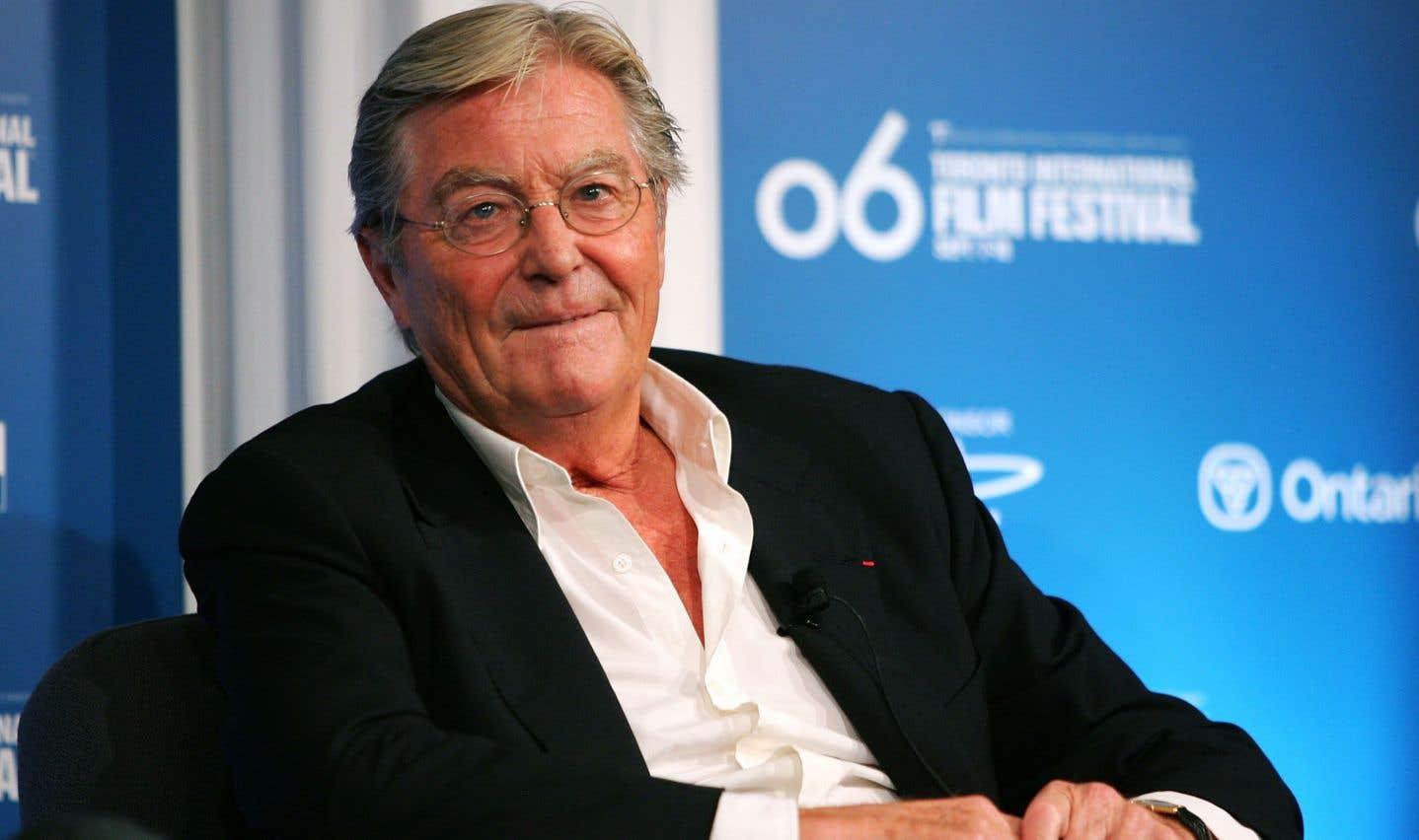 L'écrivain Peter Mayleavait été fait chevalier de la Légion d'honneur en 2002 pour sa contribution à la culture française.