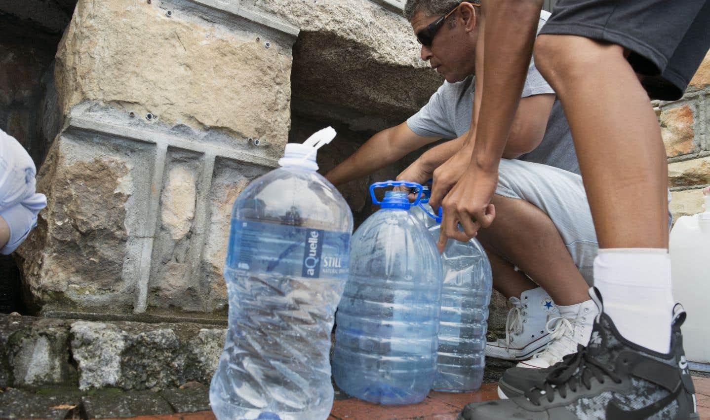 En prévision du «jour zéro», la mairie du Cap est désormais en train de mettre en place 200 points de collecte d'eau.