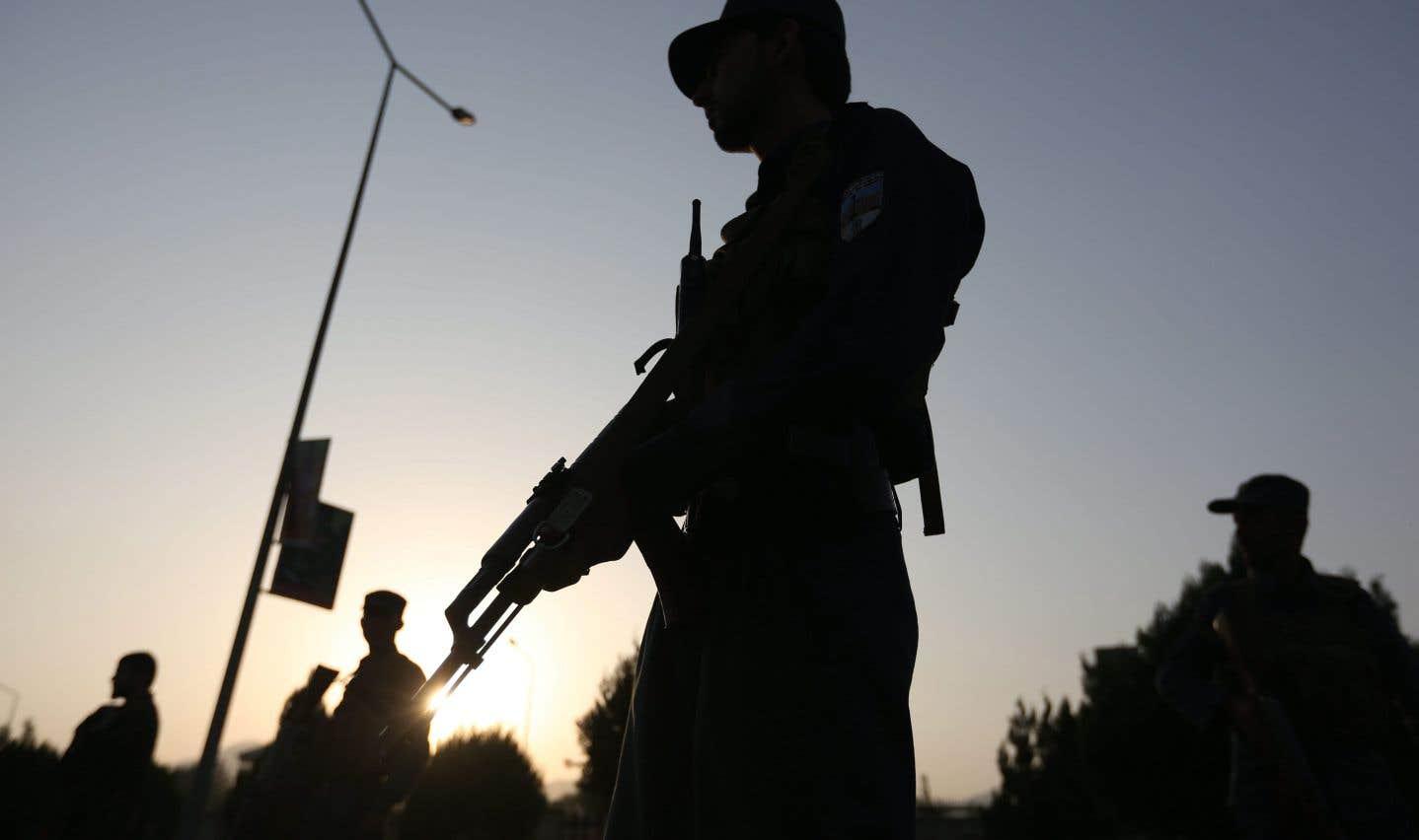 Douze unités des forces de sécurité afghanes soupçonnées d'être impliquées dans des violations des droits de la personne en 2013 ont continué de recevoir des financements américains grâce à une «clause dérogatoire».