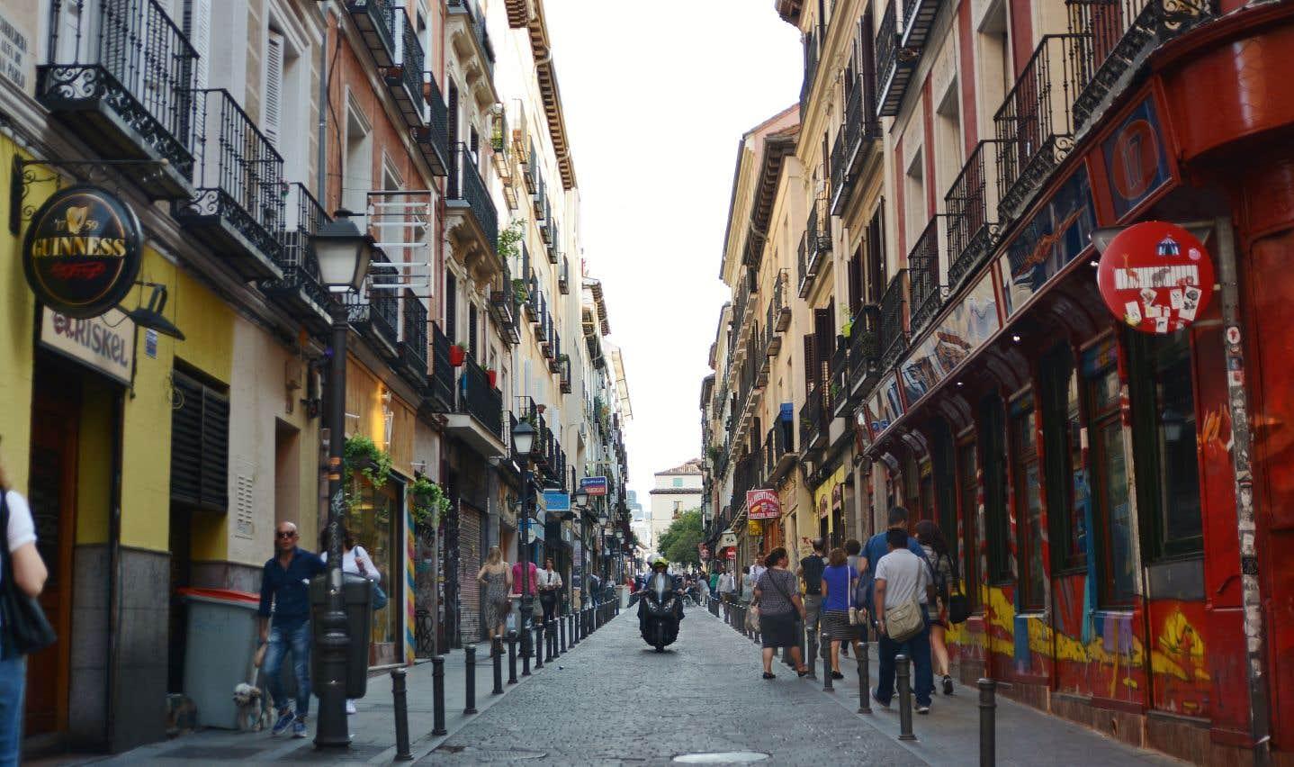 La «calle» de San Vicente Ferrer, un havre de calme dans la frénésie madrilène
