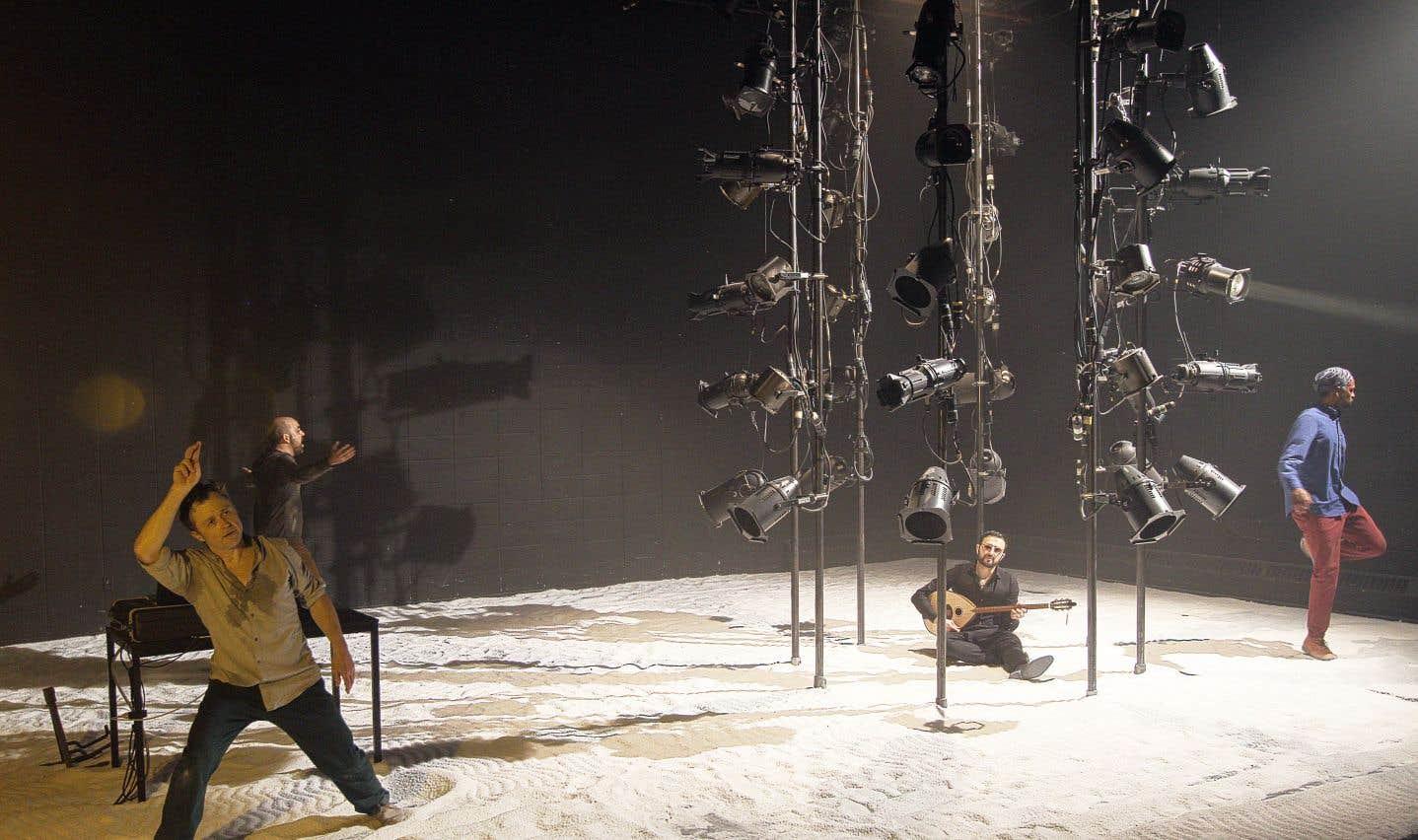 Il est difficile de voir le lien, l'unité dans la juxtaposition de gestuelles et d'écriture fragmentées de chacun des acteurs.