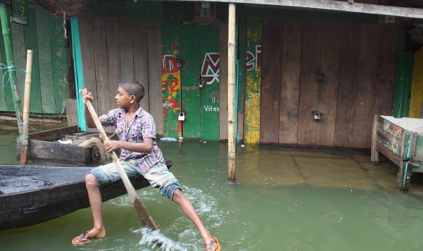 La noyade tue 14000 enfants chaque année au Bangladesh
