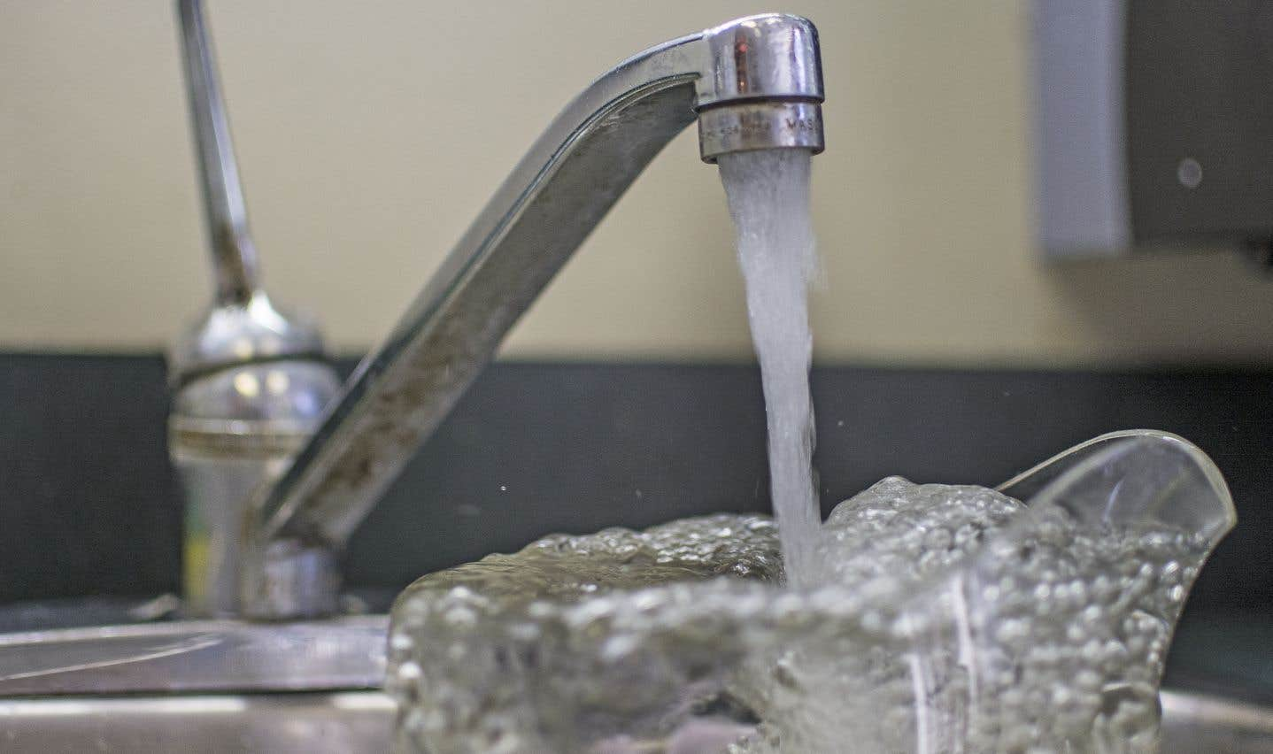 Les usines de Dorval et de Lachinesont désuètes et l'eau qu'elles fournissent a un arrière-goût.