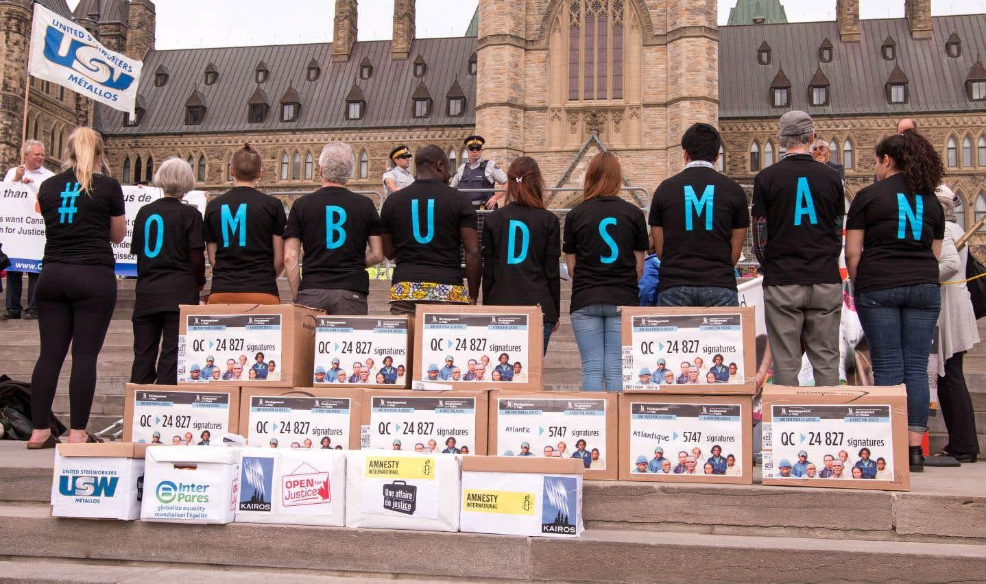 Droits de la personne: un ombudsman pour surveiller les entreprises canadiennes à l'étranger