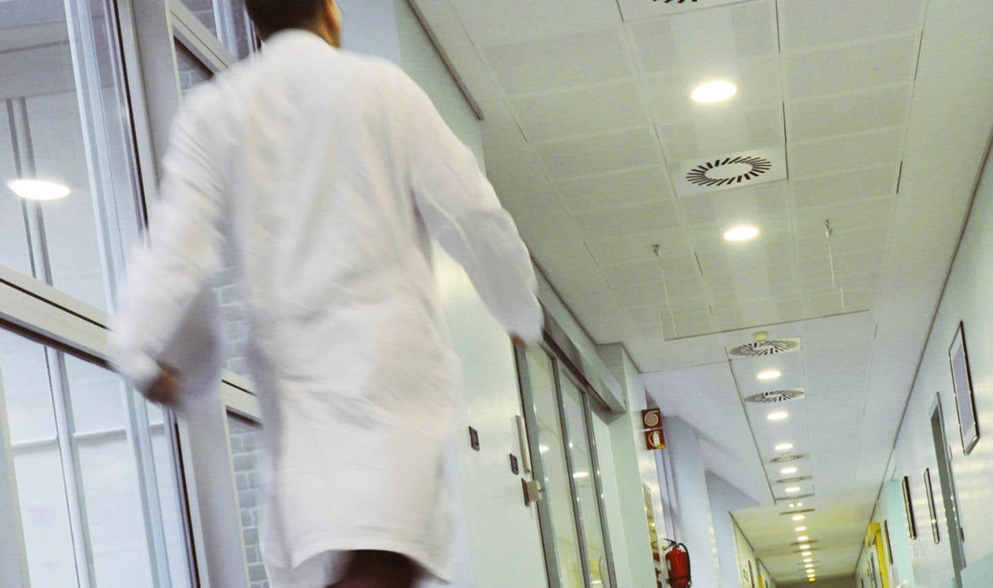 Revers pour des médecins ontariens opposés à l'aide à mourir
