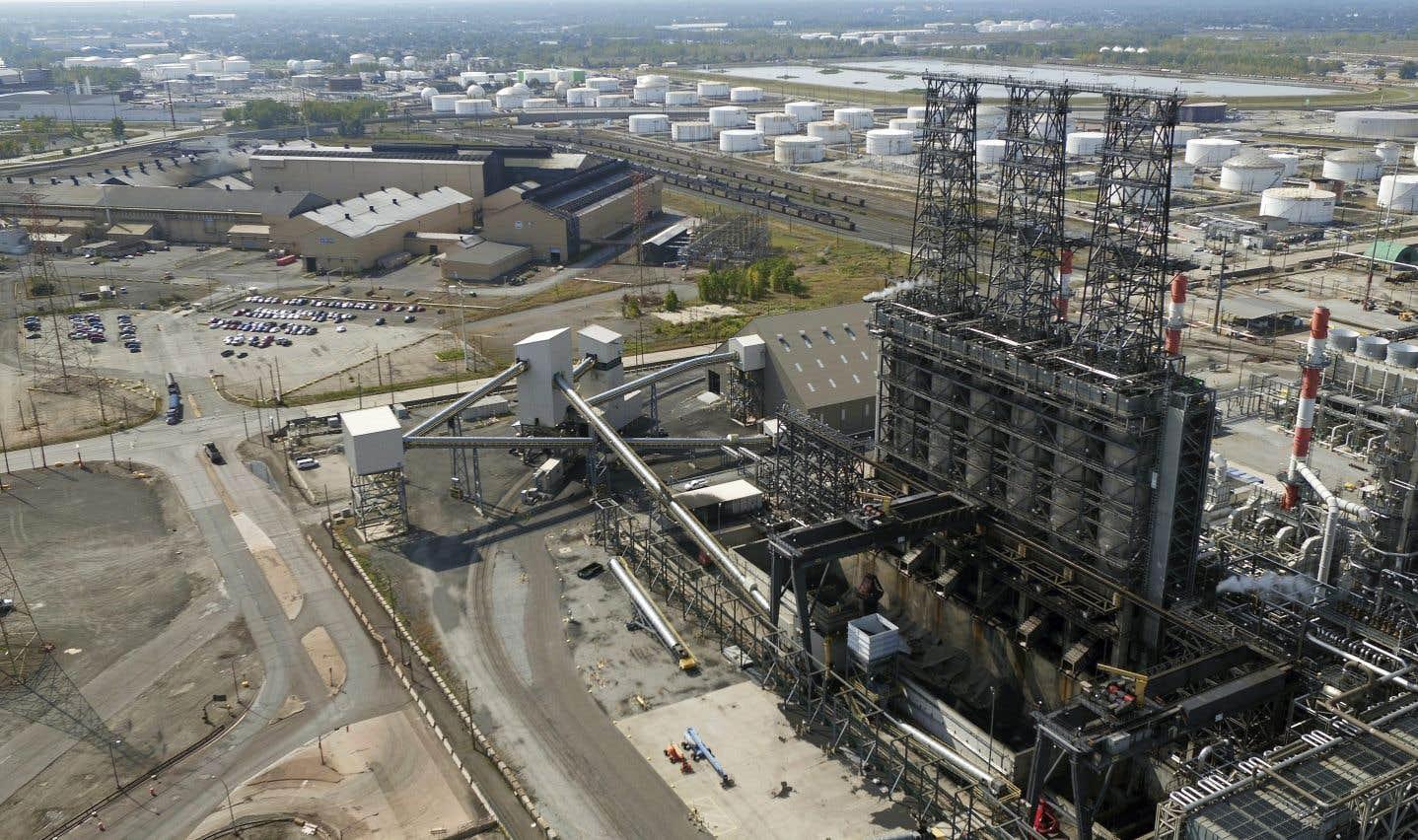 Une raffinerie de British Petroleum en Indiana. Le président Trump, qui a confié le ministère de l'Énergie à un climatosceptique, semble donner la priorité aux énergies fossiles.