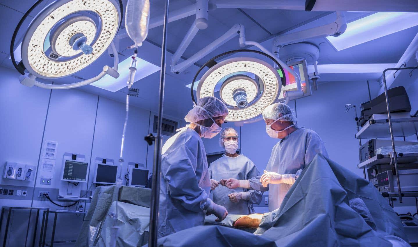 Selon les statistiques les plus récentes, 1013 patients seraient en attente pour une chirurgie cardiaque au Québec.