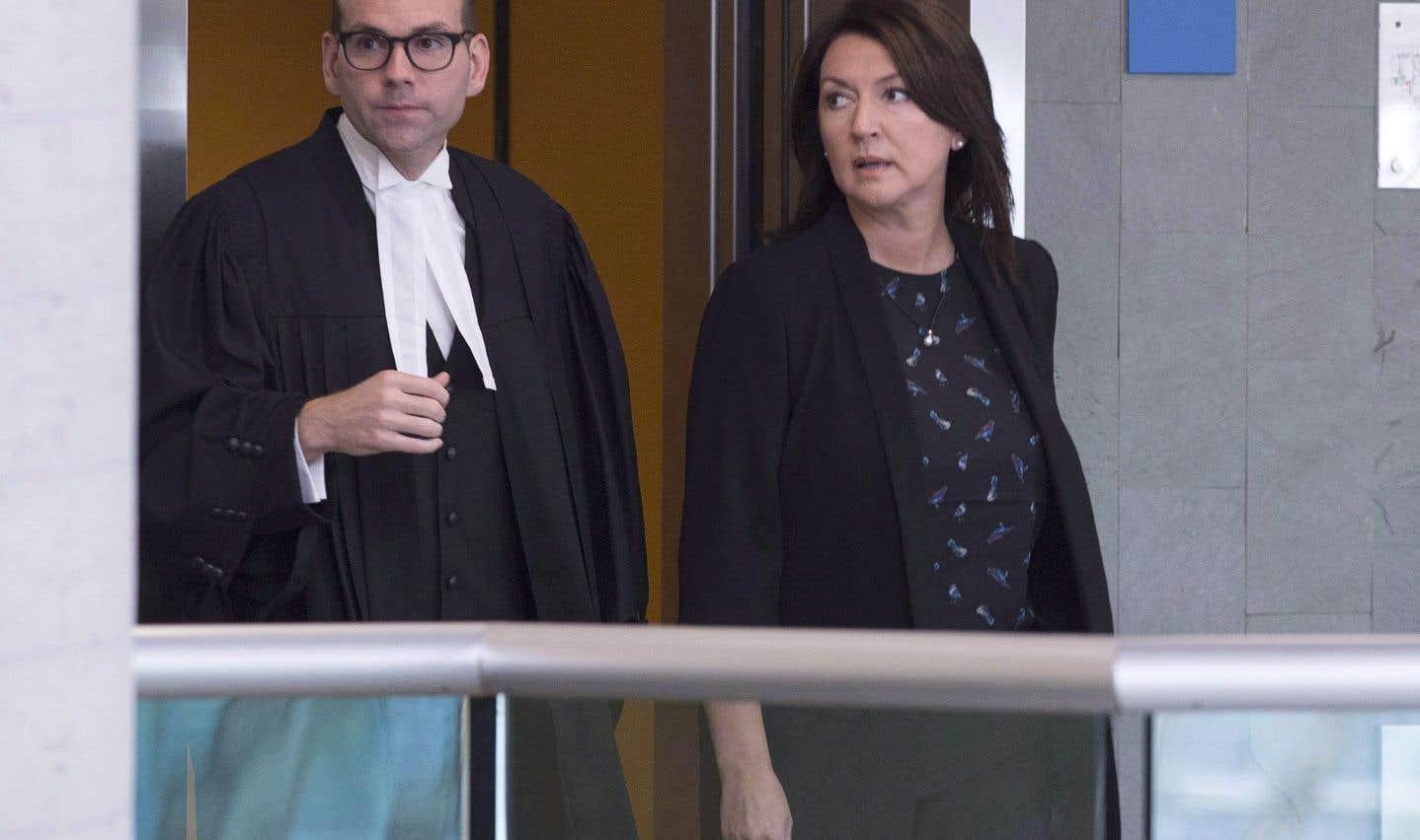 Les avocats de Nathalie Normandeau, de Marc-Yvan Côté et de leurs quatre coaccusés soutiennent qu'«un système de fuites orchestrées minutieusement pour déstabiliser le gouvernement et le Parti libéral» nuit au droit des coaccusés d'avoir un procès juste et équitable.
