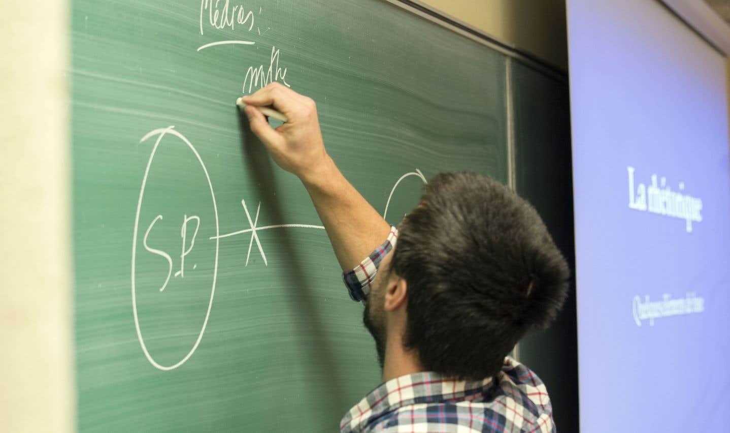 La trop grande quantité d'enseignants s'explique en partie par une baisse de la natalité.