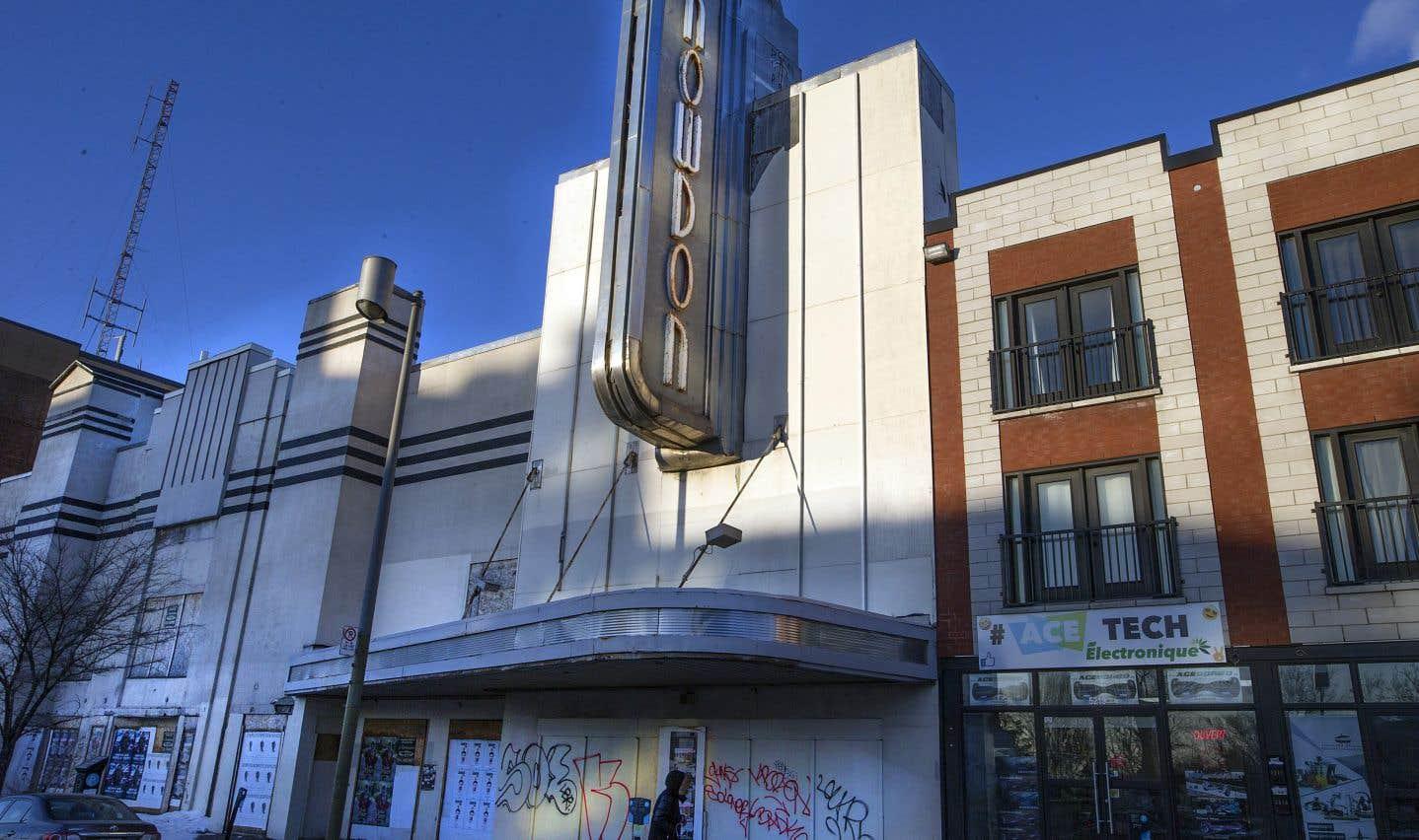 Construit en 1936, le théâtre Snowdon a été acheté par la Ville en 2003 au coût de 1,87million.