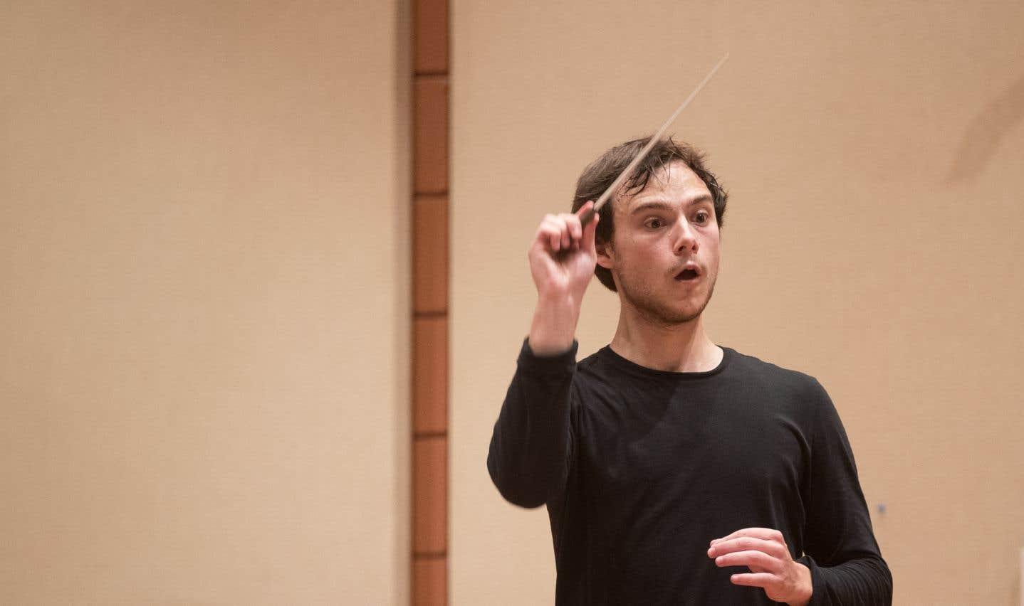 Le chef d'orchestre Nicolas Ellis