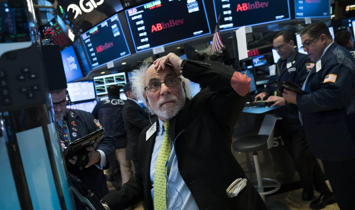 Le Dow Jones a finalement terminé en nette hausse mardi à l'issue d'une journée particulièrement chaotique.