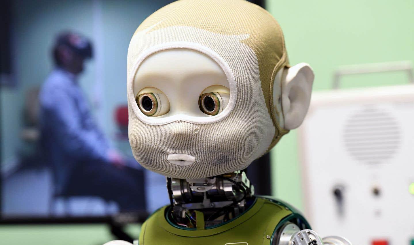 Des chercheurs ont étudié pendant quatre ans des relations en face-à-face pour que le robot humanoïde Nina ait des interactions «riches et naturelles» et qu'il puisse réagir de façon appropriée aux différentes situations qui se présentent à lui.