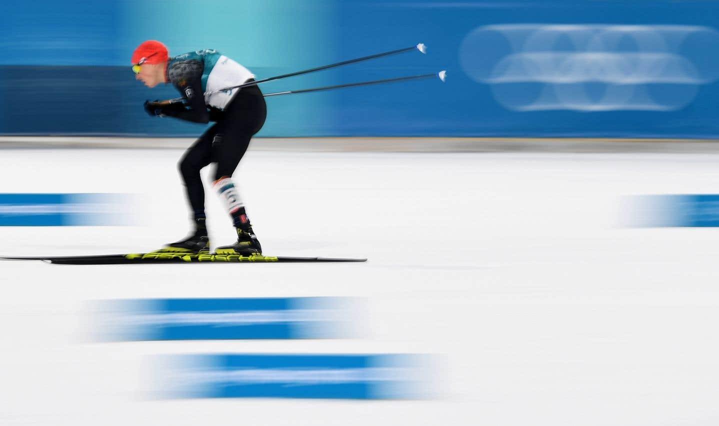 Eric Frenzel a devancé Akito Watanabe dans la dernière ascension de la course de ski de fond pour défendre avec succès son titre.