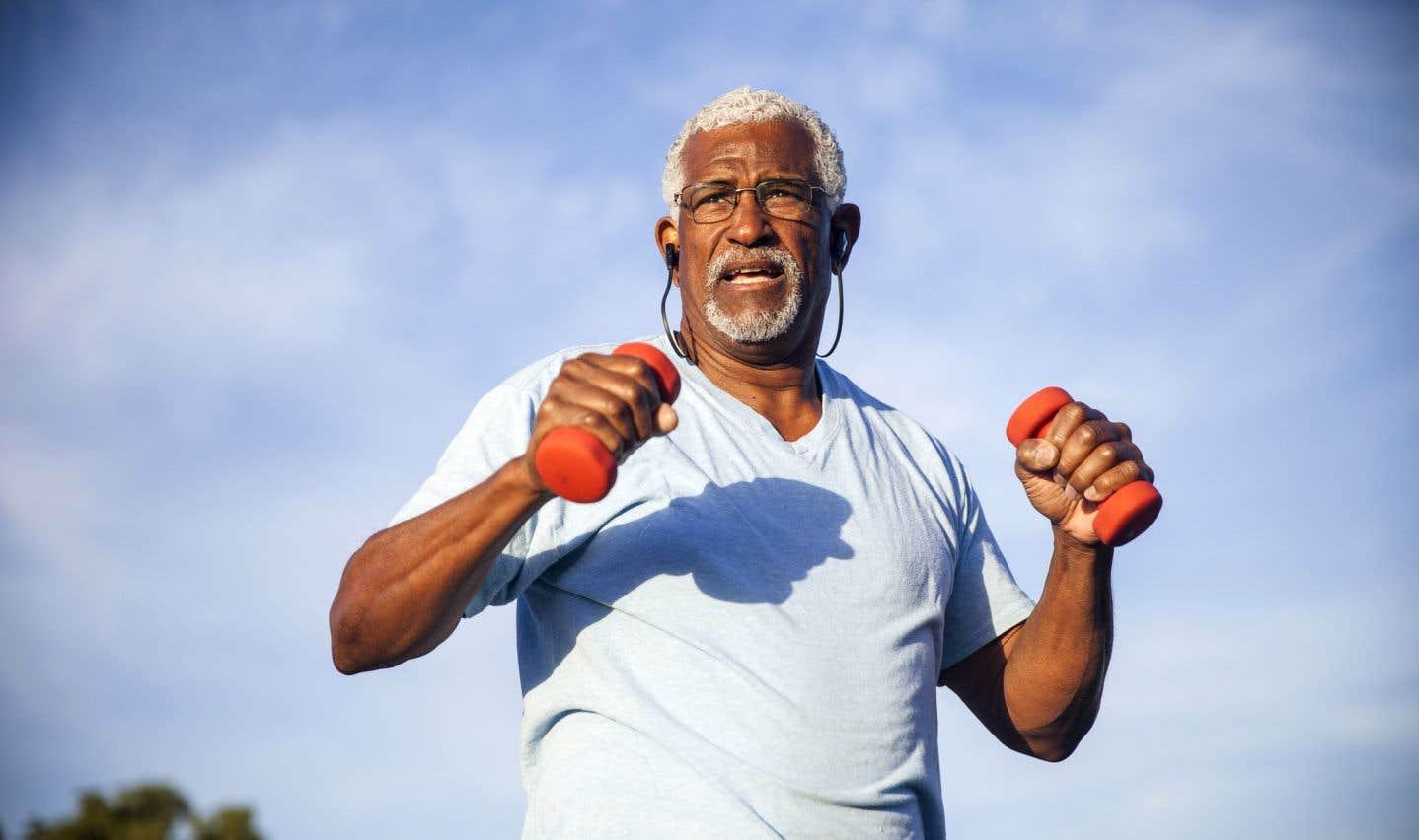 Le centre de recherche sur le vieillissement engAGE de Concordia va étudier les bienfaits de l'activité physique sur le plan cognitif. Par exemple, comment l'entraînement peut aider à rester actif plus longtemps, tout comme le fait de parler plusieurs langues protège le cerveau, notamment pour qu'il ne développe pas l'Alzheimer ou la démence.