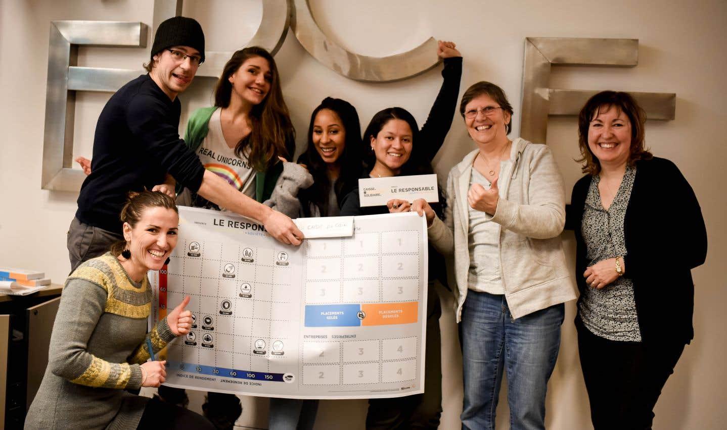 Équipe gagnante de la première joute ouverte au public du Responsable, un jeu d'initiation à l'investissement responsable créé par la Caisse d'économie solidaire Desjardins.