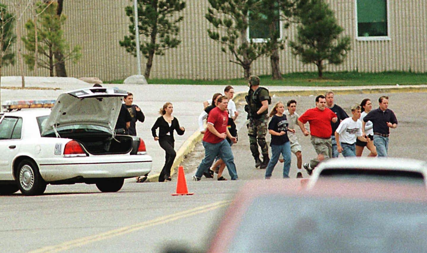 Certaines fusillades ont durablement traumatisé l'Amérique, comme celles de Columbine, en 1999.