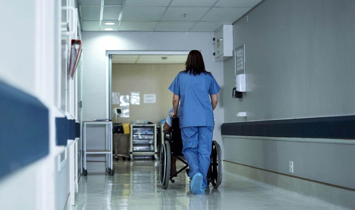 Selon les psychiatres, la décision de transférer les patients des urgences vers un hôpital comme l'Institut en santé mentale de Québec est motivée par la directive ministérielle «de vider les urgences le plus rapidement possible pour redorer les statistiques».