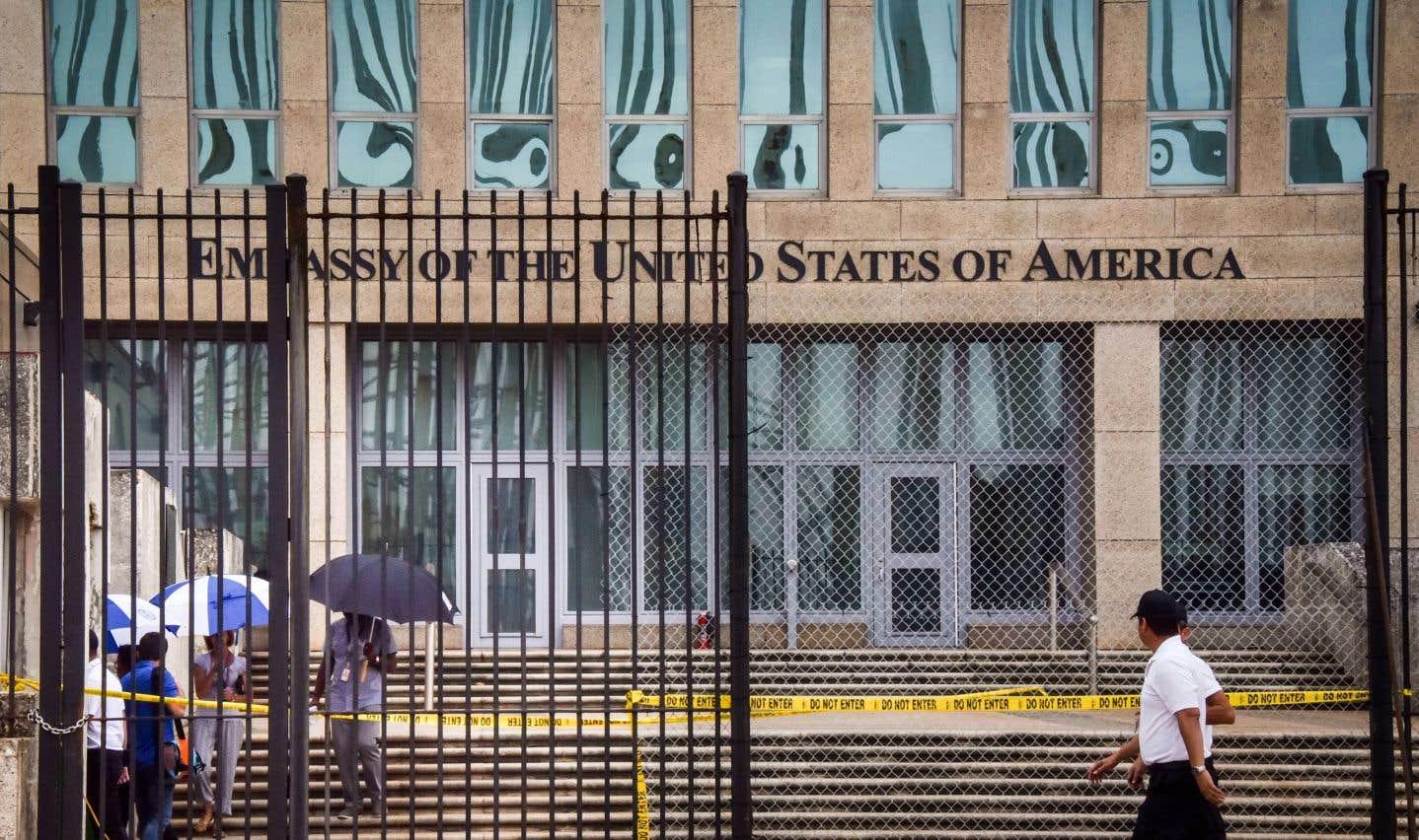 Étant donné le nombre d'employés affectés, les États-Unis ont retiré fin septembre plus de la moitié de leur personnel diplomatique de Cuba.
