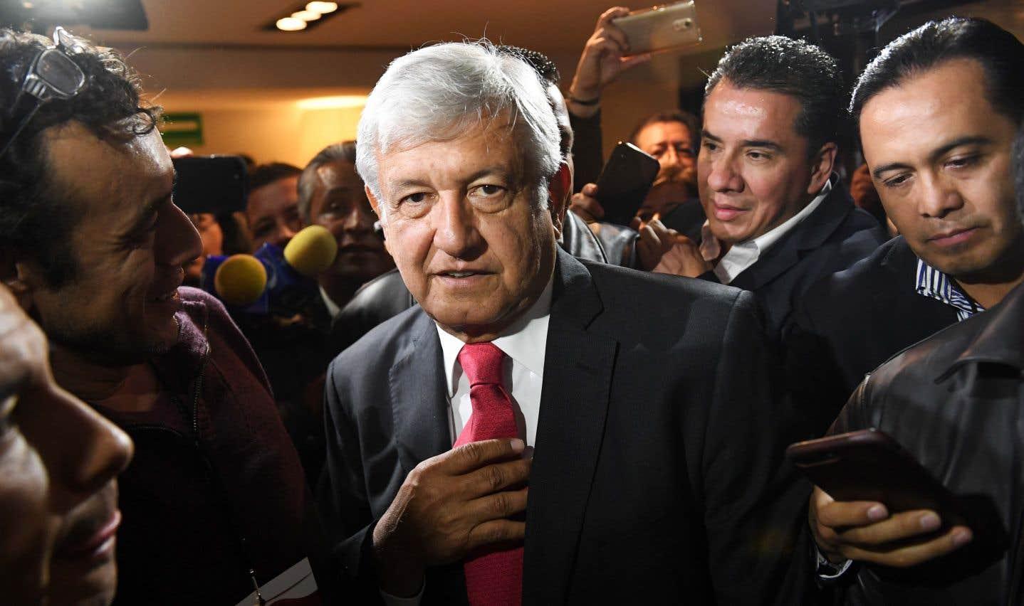 Actuellement en tête des sondages, le candidat Andrés Manuel Lopez Obrador, 64 ans, fait figure de favori.