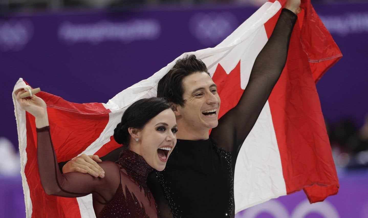 Le couples'est propulsé au sommet, grâce à un pointage cumulatif de 206,07, et vers une troisième médaille d'or olympique en carrière.