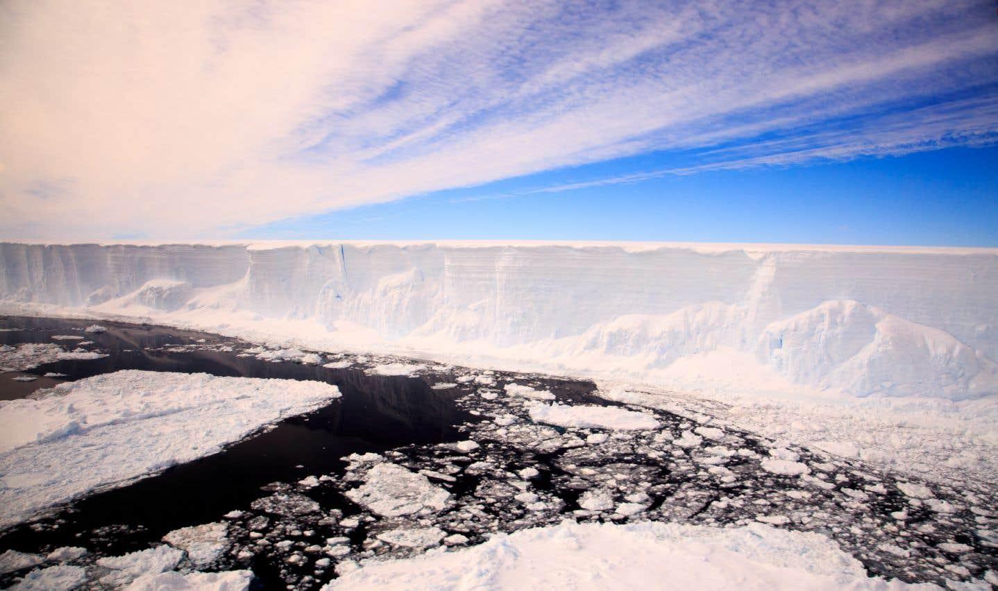La superficie de la zone dégagée par la séparation de l'iceberg A68 équivaut à 13 fois l'île de Montréal.