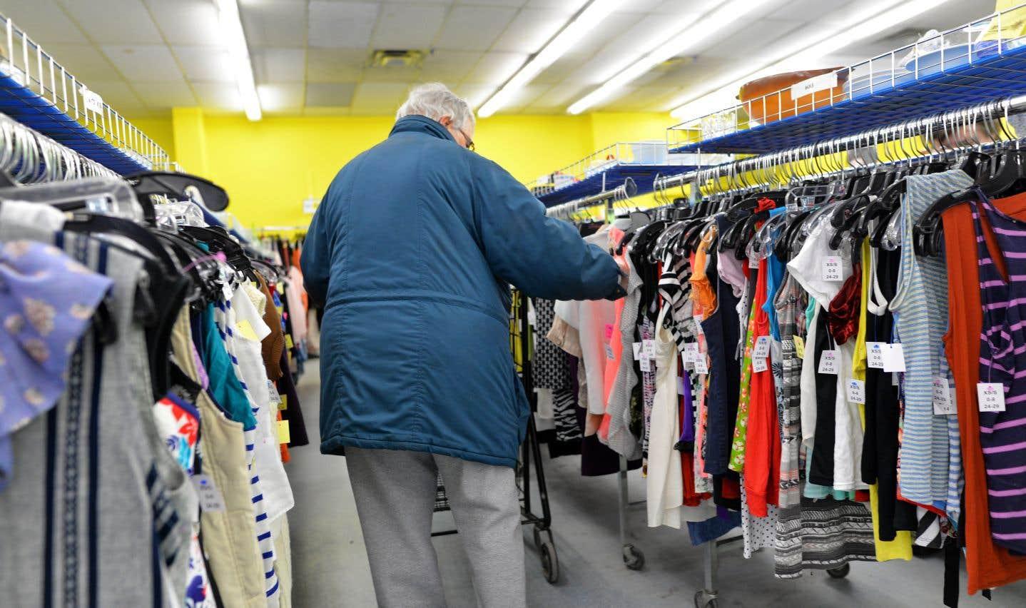 Les vêtements des friperies pourraient ne plus connaître le rebut et avoir une deuxième vie.