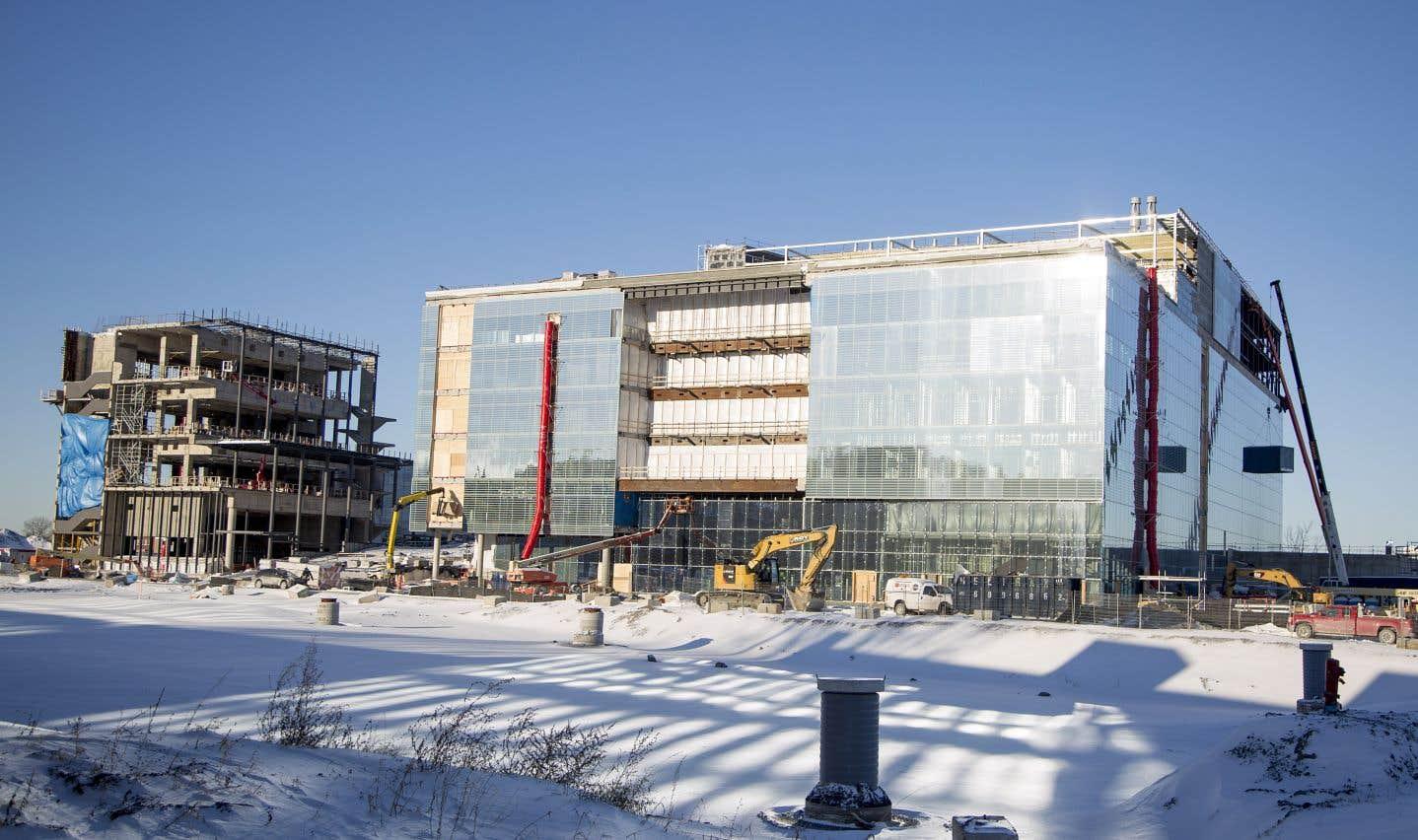 L'UdeM et la Ville de Montréal visent une certification LEED-Aménagement de quartier, qui a pour objectif l'aménagement de quartiers durables qui profitent tant à la collectivité et aux citoyens qu'à l'environnement.