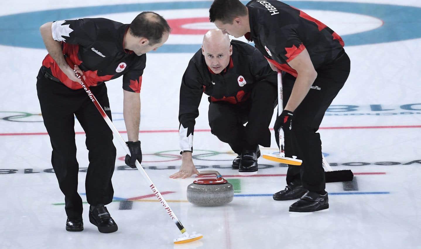 L'équipe canadienne de curling, menée par le capitaine Kevin Koe, jeudi