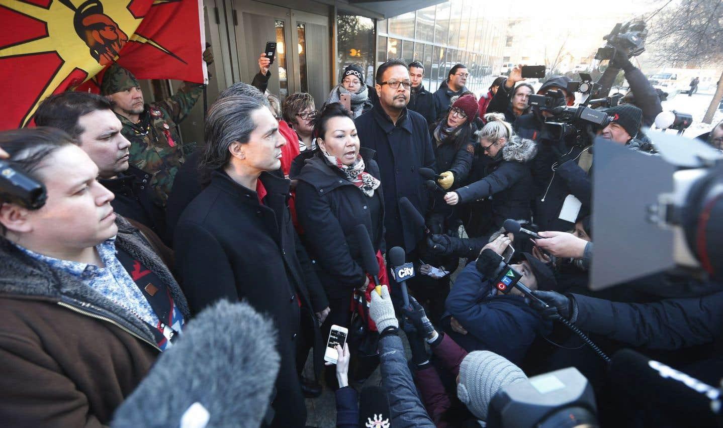 Les réactions de la communauté autochtone ont été promptes.