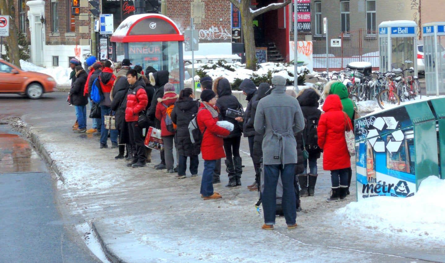 À l'automne dernier, Valérie Plante s'était engagée à offrir un tarif réduit aux Montréalais à faibles revenus, ainsi que la gratuité pour les enfants jusqu'à 12 ans et les usagers de plus de 65 ans.