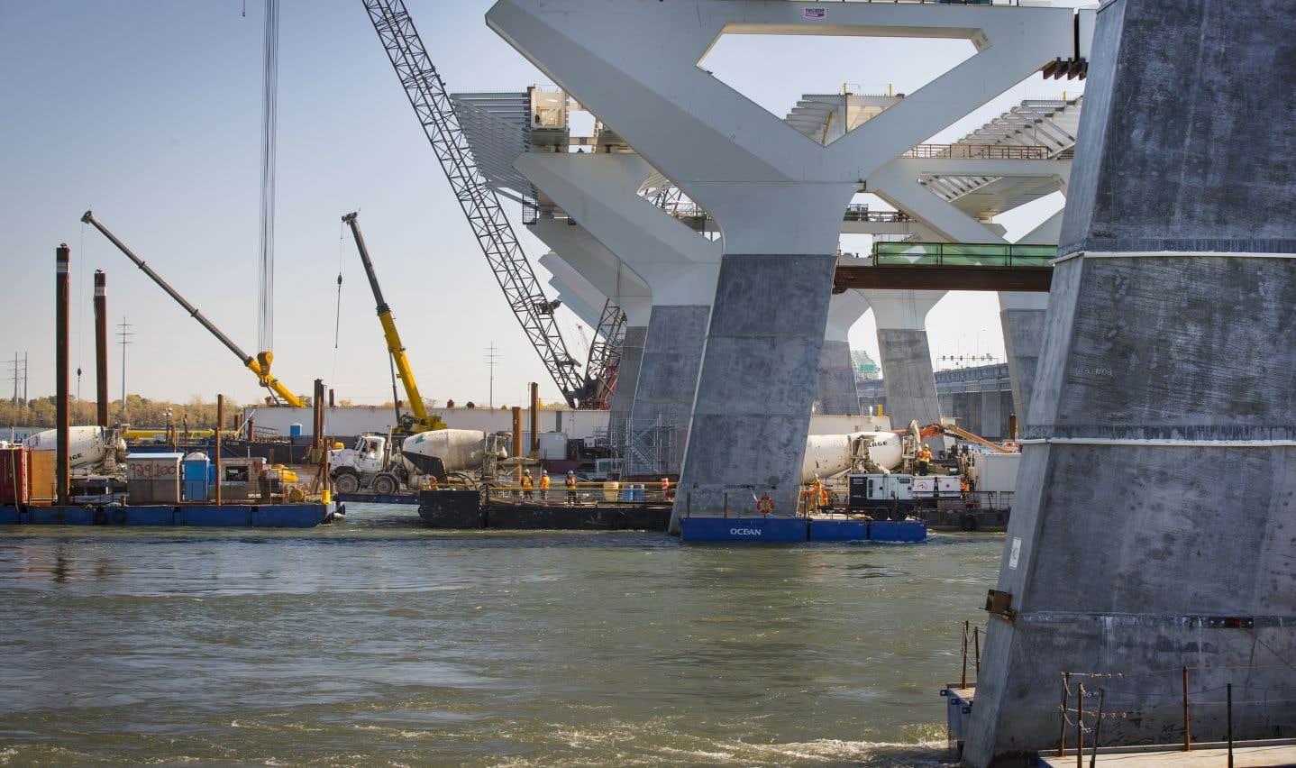 Le nouveau pont est complété à 65 %.