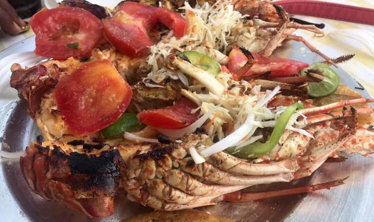 Le fameux «homard» est l'une des spécialités que l'on prend plaisir à savourer à Raymond Les Bains, toujours à Cayes-Jacmel.