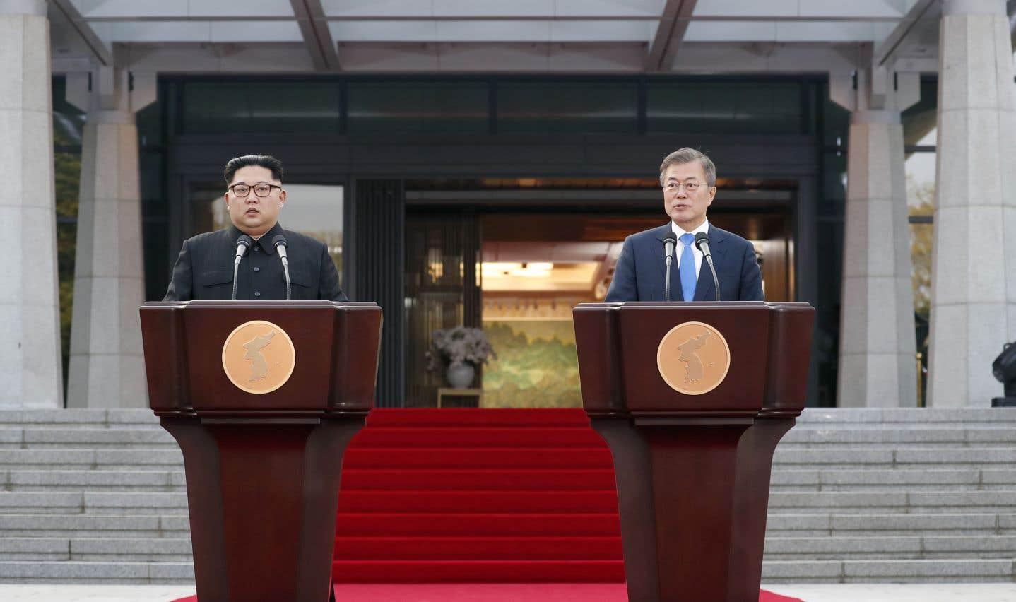 Les dirigeants des deux Corées livrent une déclaration conjointe à la fin du sommet.