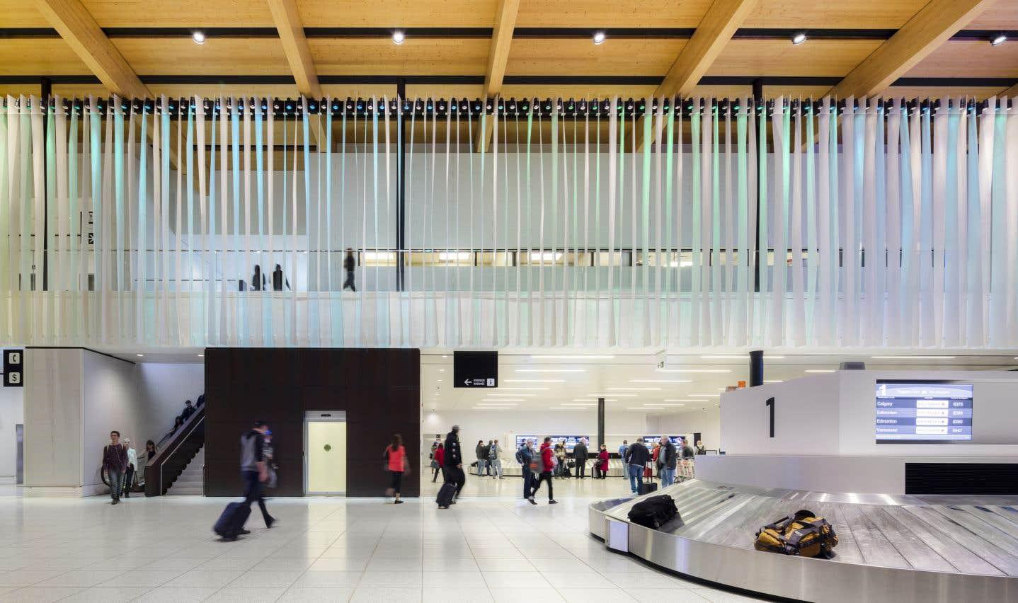 L'aéroport international de Fort McMurray (Alberta), Office of mcfarlane biggar architects + designers (omb). Le projet a été initié par la firme précédente, mcfarlane green biggar Architecture + Design.