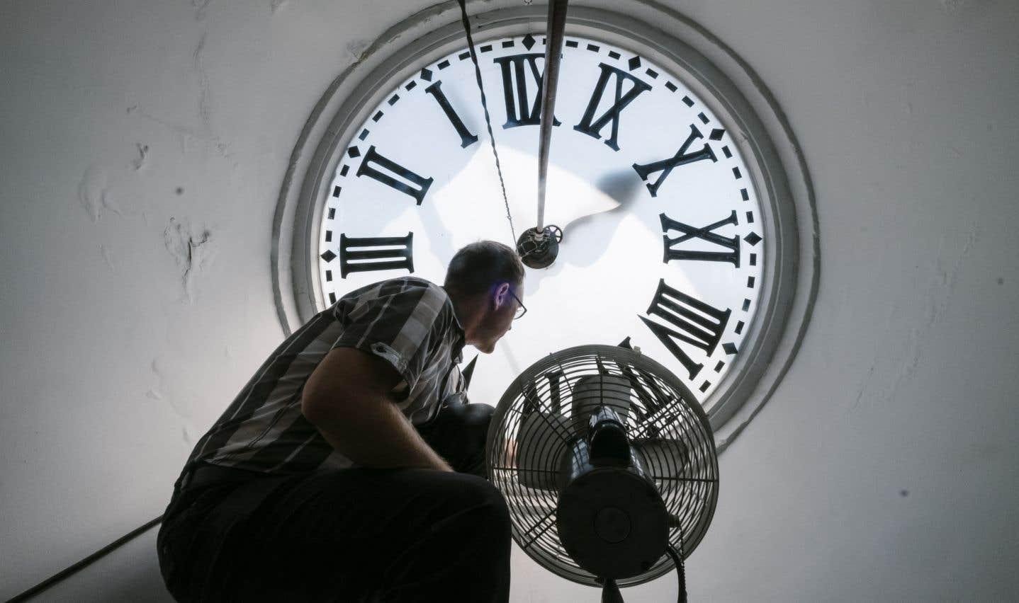 Conçue par Cyrille Duquet, l'inventeur du combiné téléphonique, l'horloge du Parlement sonne toutes les heures depuis 1888.