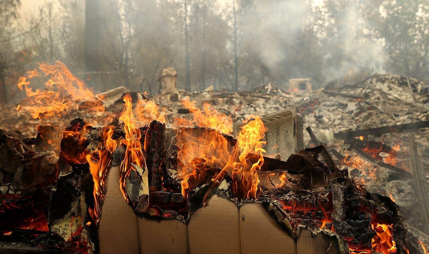 L'incendie baptisé «Carr» au nord de la ville de Redding a consumé 32700 hectares depuis lundi.