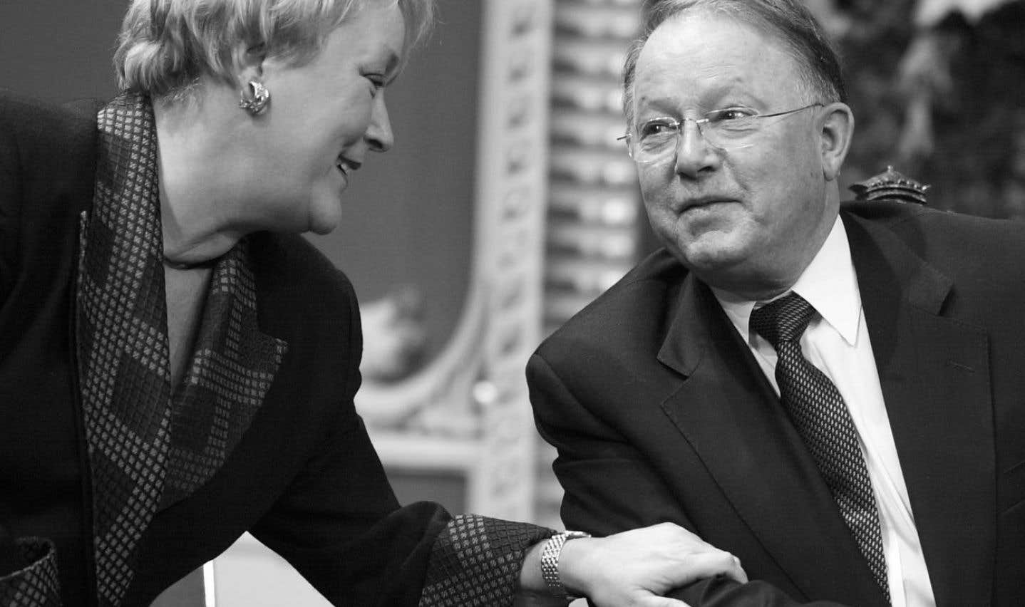 Après avoir succédé à Lucien Bouchard comme chef du Parti québécois, en mars 2001, Bernard Landry discute avec Pauline Marois, qu'il nommera vice-première ministre du Québec.