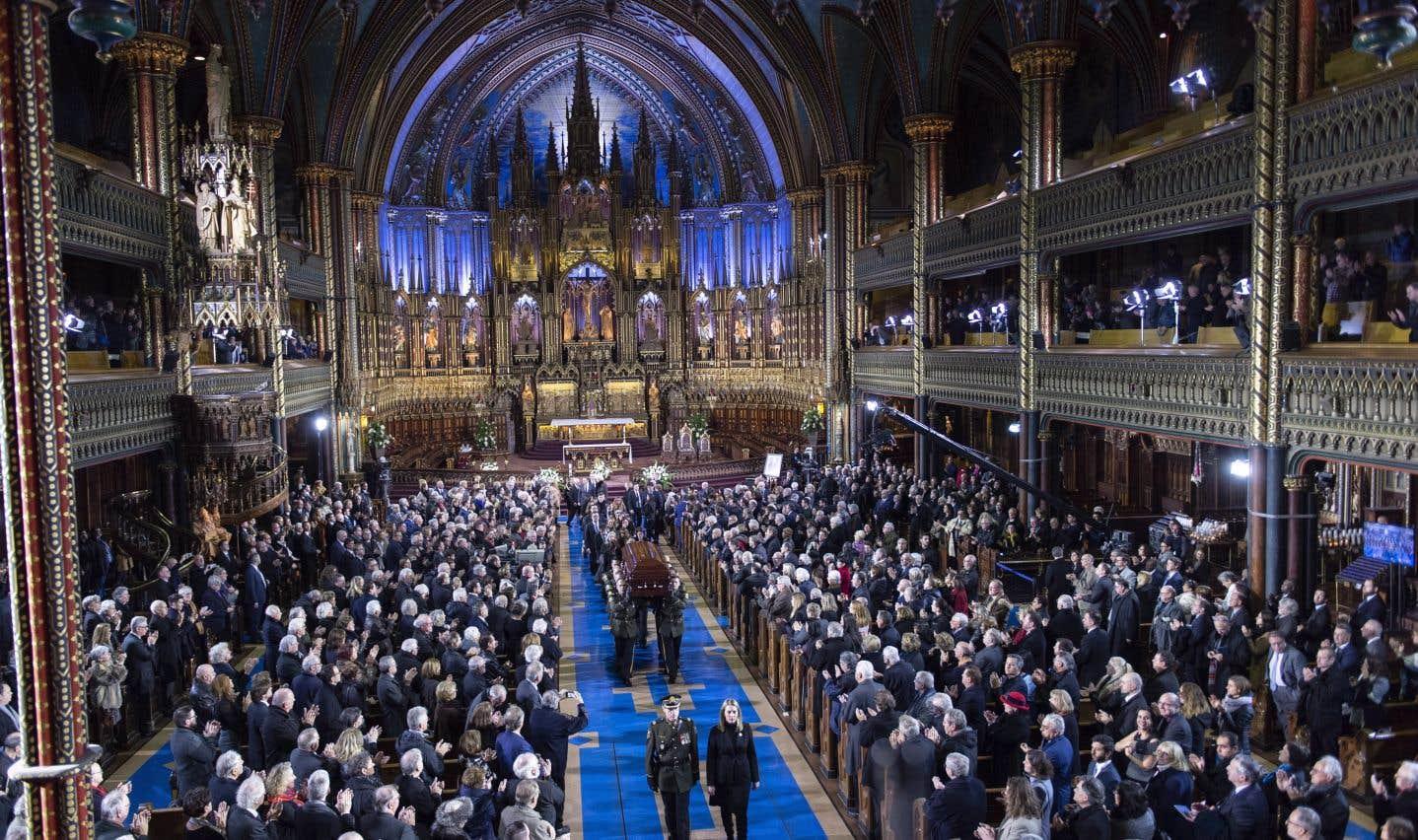 Ce sont les mots du poète Gaston Miron qui ont le plus souvent résonné dans la basilique Notre-Dame, où se déroulaient les funérailles d'État de l'ancien premier ministre Bernard Landry.