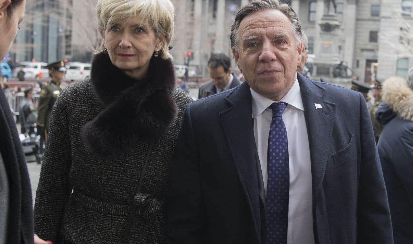Le premier ministre du Québec, François Legault, ainsi que son épouse, Isabelle Brais, étaient parmi les quelques centaines de dignitaires présents.