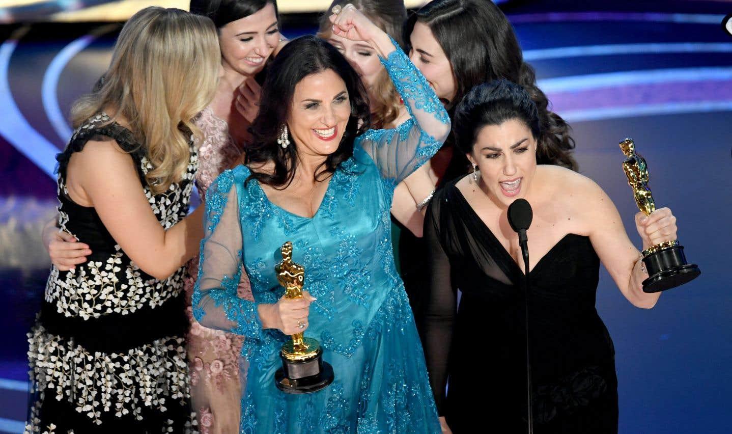 «Period. End of Sentence.» a été récompensé parl'Oscar du meilleur court métrage documentaire.