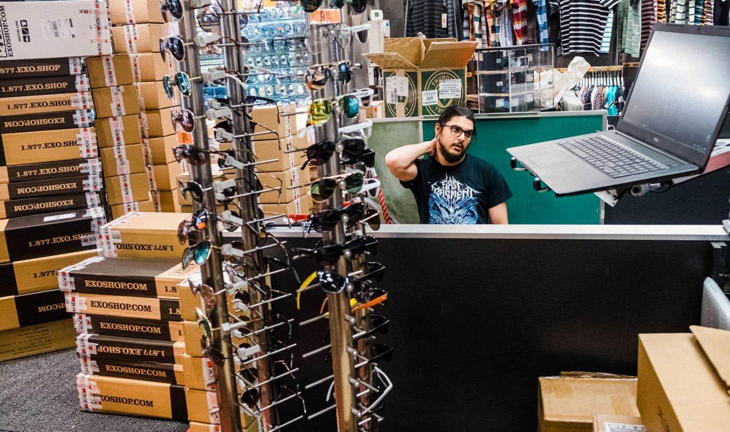 Chez Exo, un boutique de la basse-ville pour amateurs de skateboard, il n'a pas été possible de rouvrir lundi. La réorganisation de l'espace de travail est un véritable casse-tête.