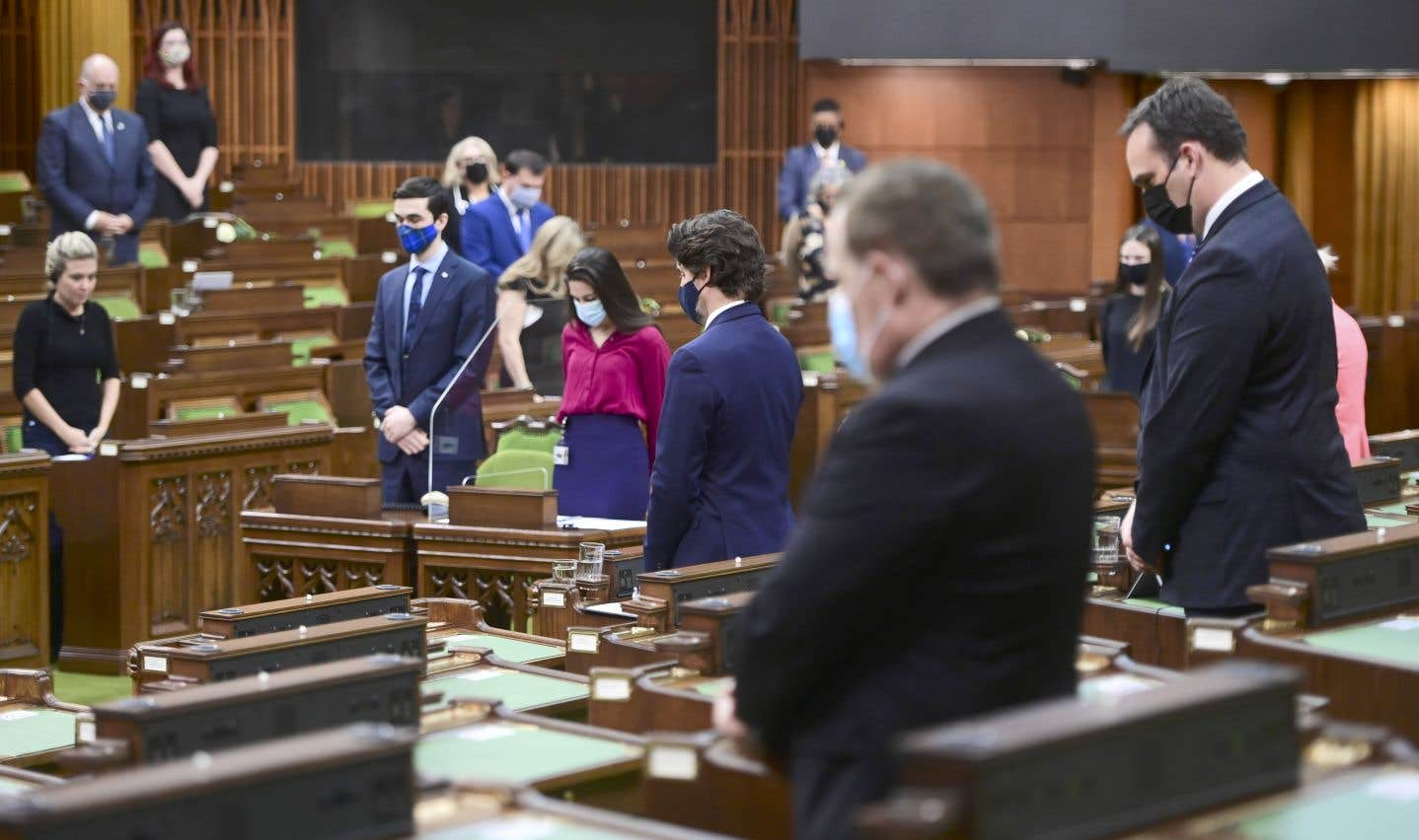À Ottawa, les élus fédéraux ont aussi pris le temps de se recueillir.