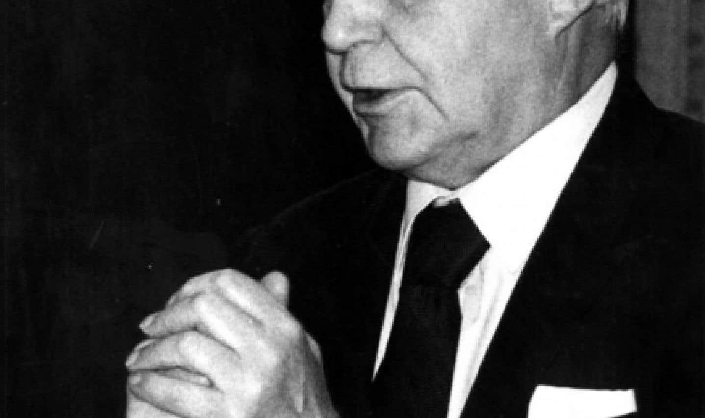Jean-Marc Léger devient en 1961 le premier secrétaire général de l'Association des universités partiellement ou entièrement francophones (AUPELF).