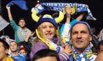 Des milliers de partisans en liesse ont envahi mardi les rues de Sarajevo afin de souligner la toute première qualification pour la Coupe du monde de soccer de la Bosnie à titre de pays indépendant.